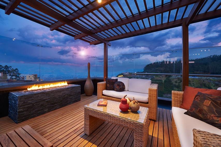 Beautiful deck with pergola
