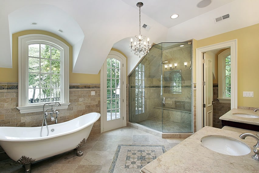 Bathroom with interesting architectural details and beautiful travertine tiles