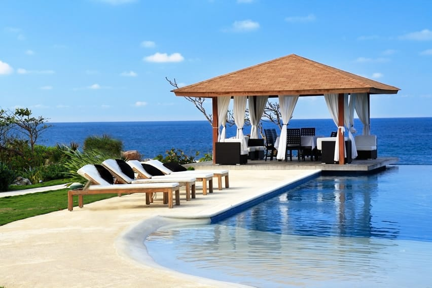 Oceanfront pool with cabana