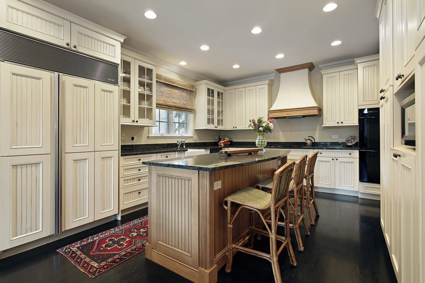 Kitchen designed in white style