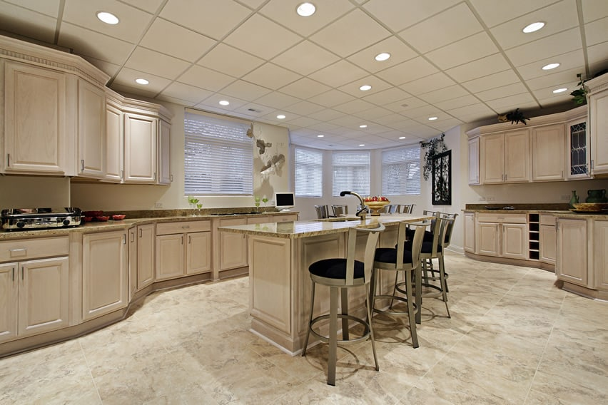 Unusually shaped kitchen with curved layout design