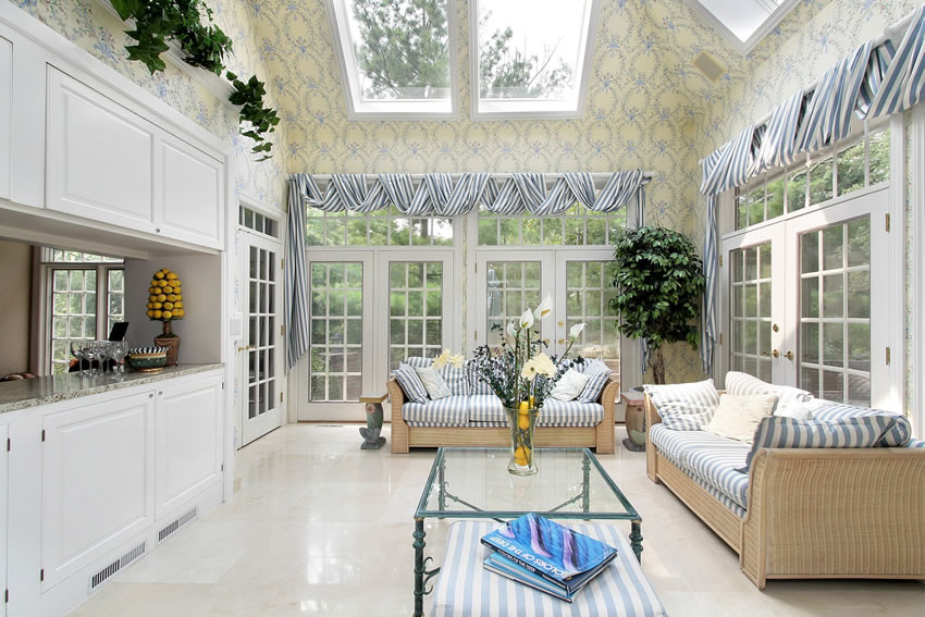 Sunroom with wallpaper