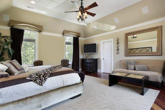 Master Bedroom Tray Ceiling Patterned Rug Designing Idea