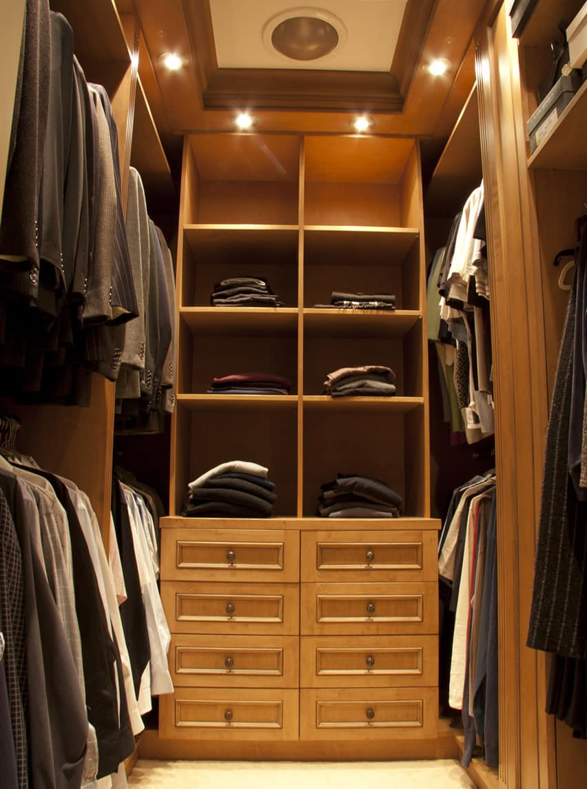 39 luxury walk in closet ideas organizer designs - Pictures of walk in closets ...