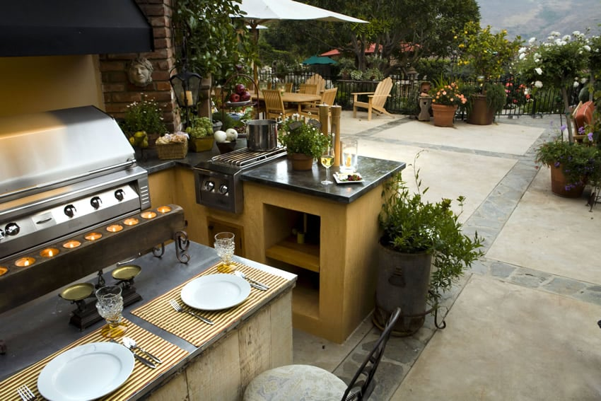 Outdoor kitchen in garden