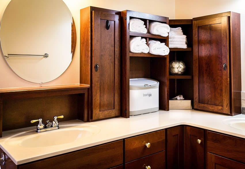Bathroom cabinet with open shelving