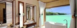 beautiful-luxury-tropical-resort-bathroom