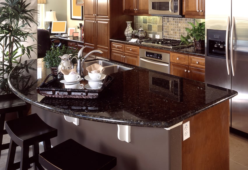 Granite countertops colors pictures of popular types for Granite countertop kitchen ideas