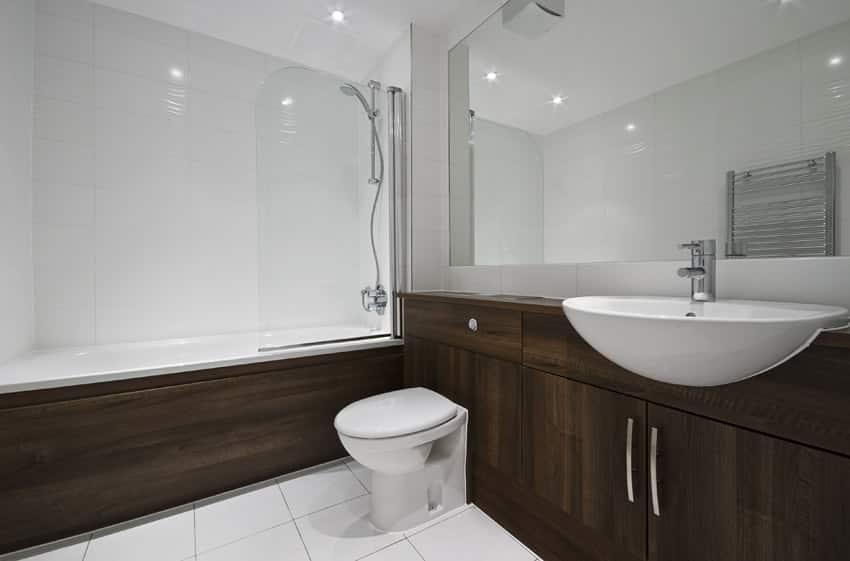 Modern luxury bathroom with hard wood decorative elements