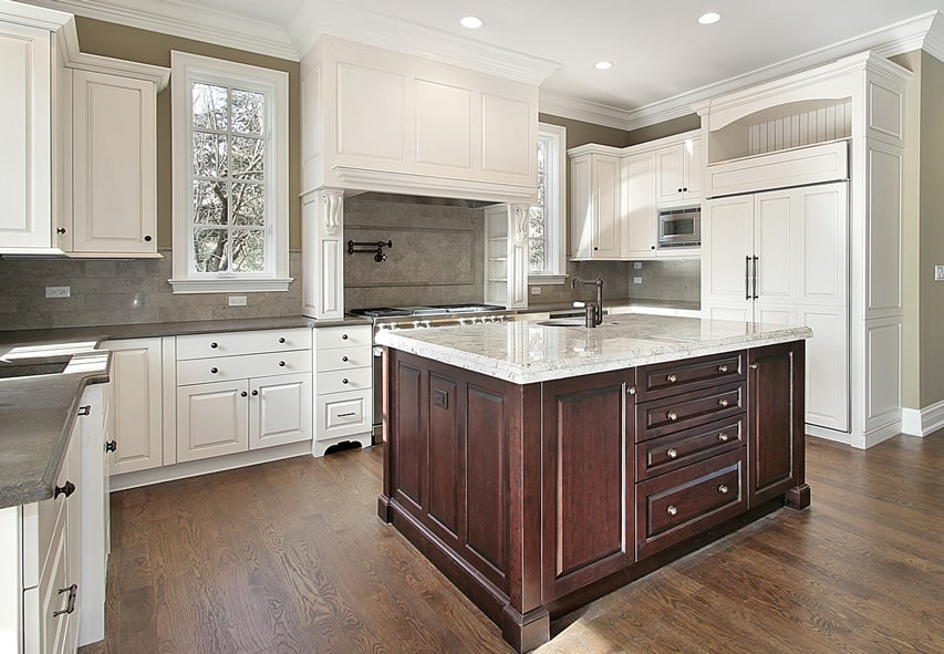 35 beautiful white kitchen designs with pictures for Luxury elegant kitchen designs
