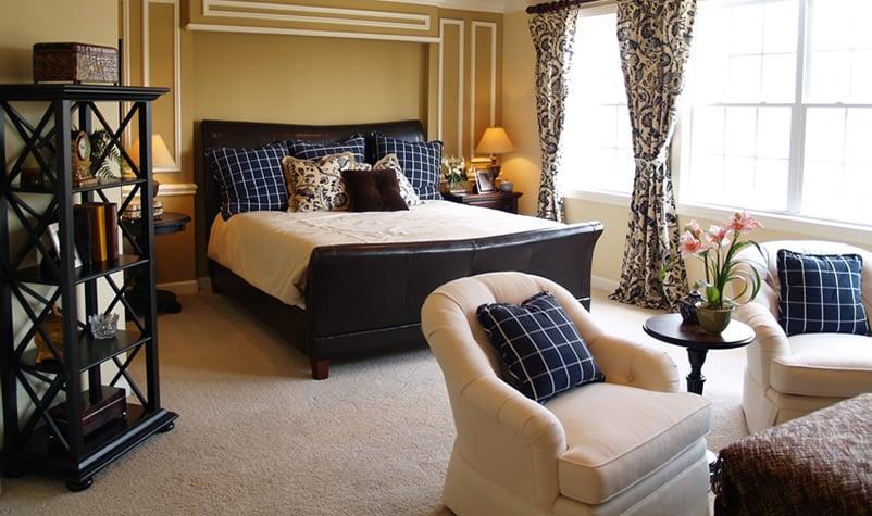 Light beige carpet in the bedroom