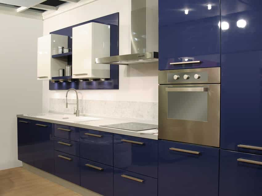 27 blue kitchen ideas pictures of decor paint cabinet for Navy blue kitchen cabinets