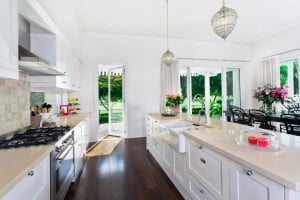 Quartz Kitchen Countertops (Pros and Cons)
