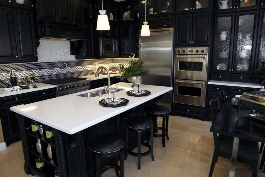 Dark kitchen counters with light coutertops