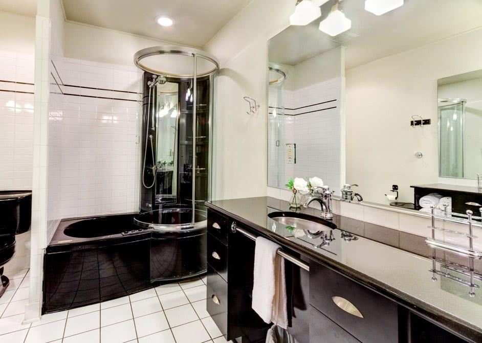 Bathroom design ideas part 3 contemporary modern traditional designing idea for Black white bathroom designs