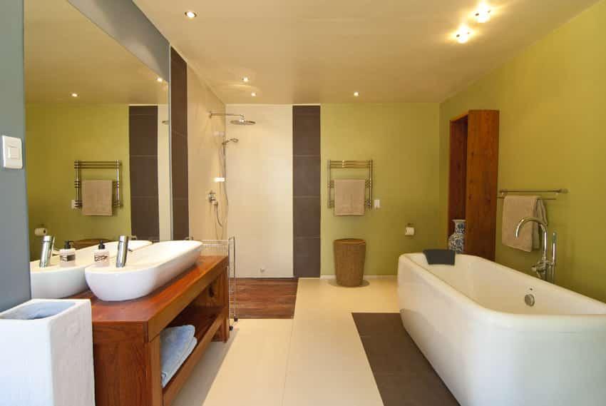 New bathroom design large mirror rounded bathtub