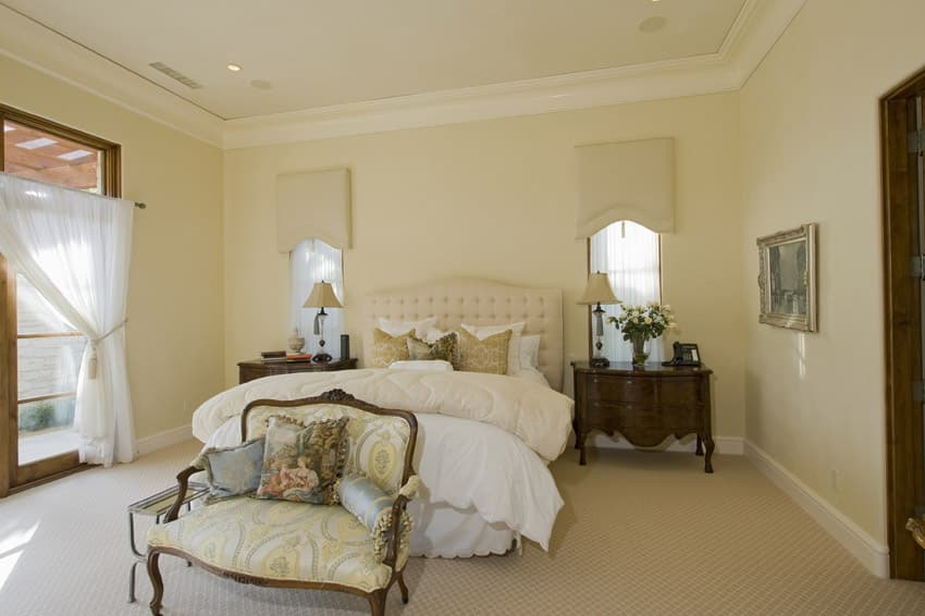 Traditional design master bedroom light color theme