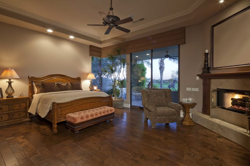 Tropical design master bedroom with wood