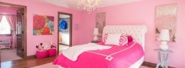 cool-girls-bedroom-with-chandelier