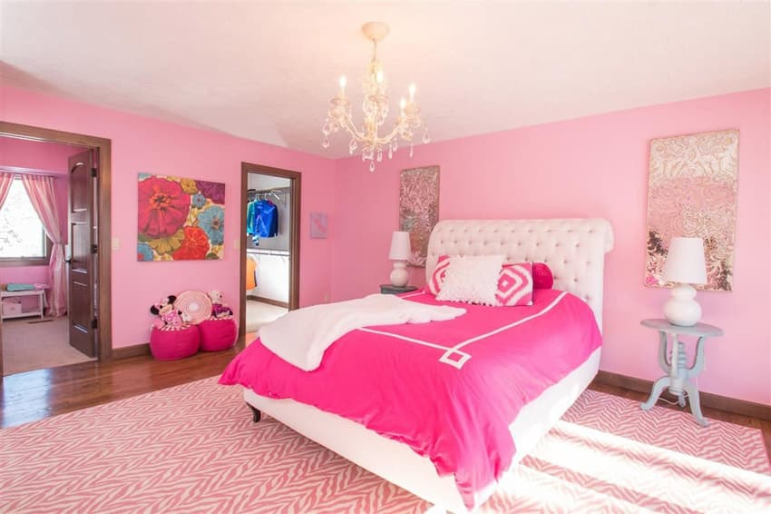 Cool Girls Bedroom With Chandelier