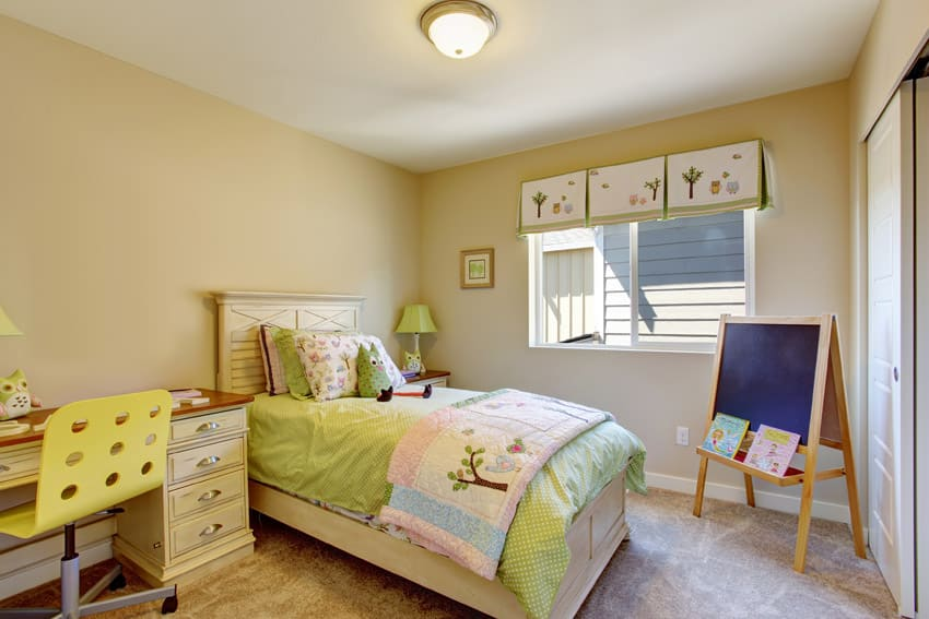 Cute girls bedroom with decor
