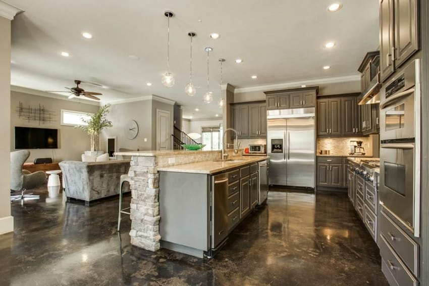 Kitchen island with stone and fantasy ivory granite