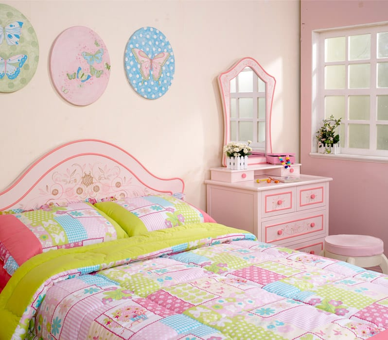 Pink design girls room with cabinet