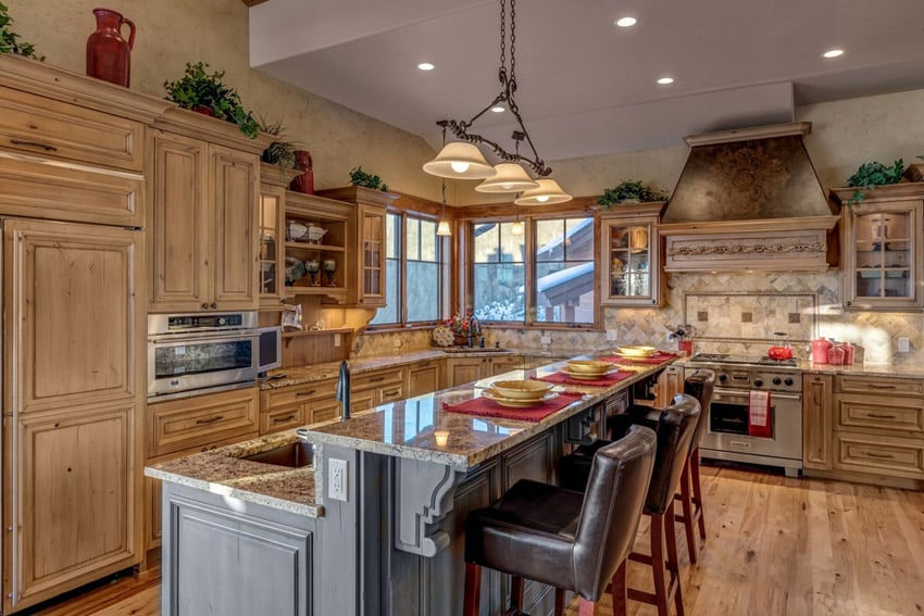 Rustic traditional wood kitchen with breakfast bar