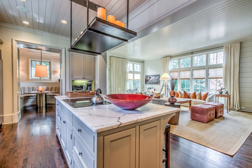 Cottage kitchen with satuary venato marble counter and island