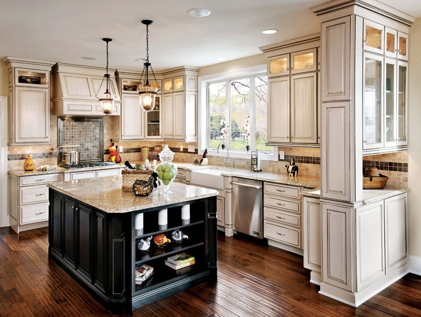 47 beautiful country kitchen designs pictures for Black country kitchen cabinets