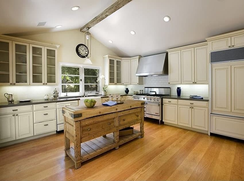 Kitchen Island In Addition Amazing Kitchens Design With Rustic