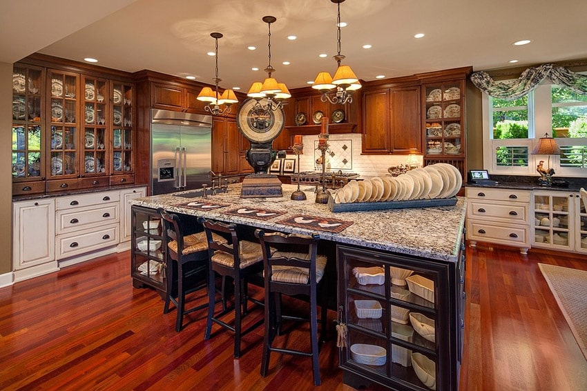 Elegant country kitchen with 3 types of wood cabinets