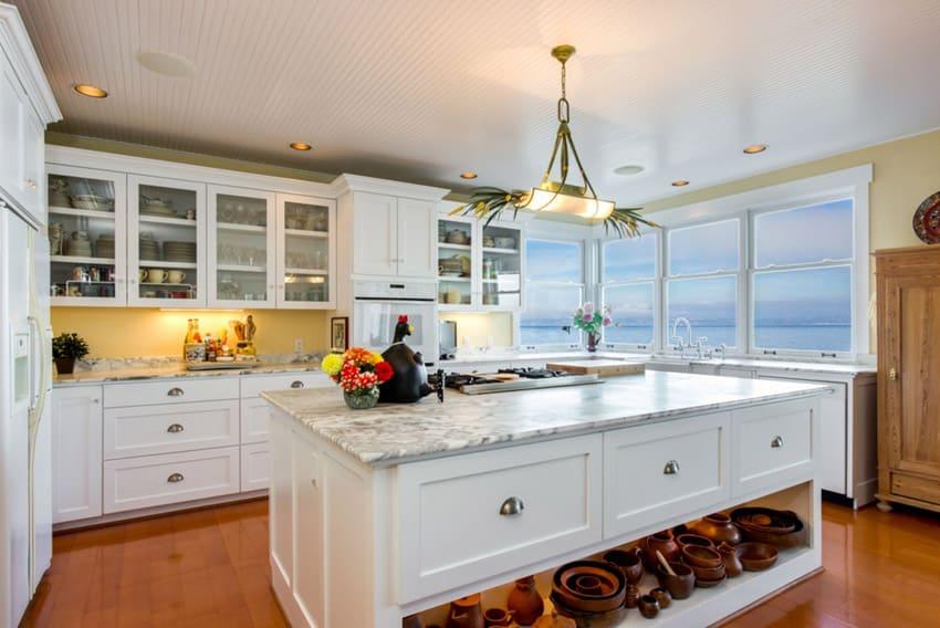 Luxury kitchen with damasco white marble counter