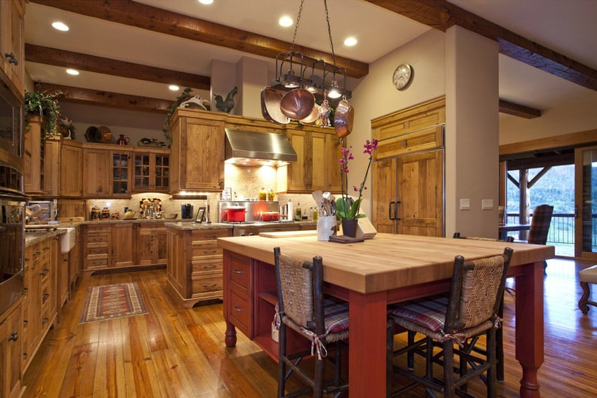 Wood country kitchen with exposed beams
