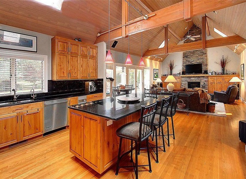 Craftsman kitchen with vaulted ceiling