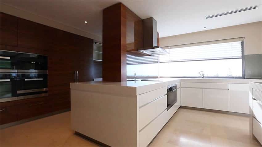 Modern kitchen with open plan and view