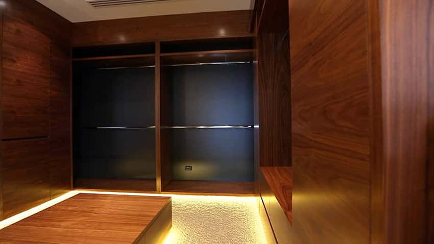 Modern walk in closet design