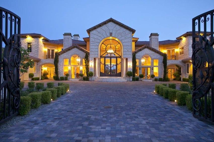 Cobblestone pavers driveway at luxury home