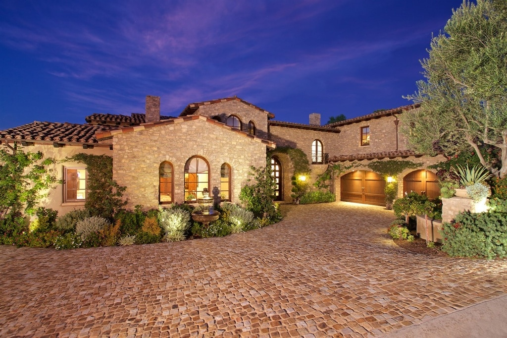 Luxury tuscan style house interior exterior pictures for Tuscan homes