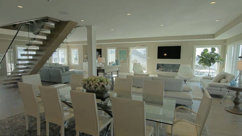 Dining area with waterfront bay views