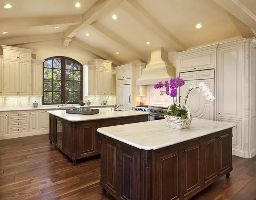 Kitchen with engineered walnut flooring