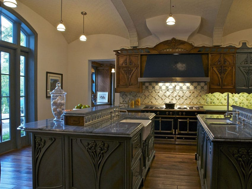 Traditional kitchen with silver waves granite countertop and hardwood floors