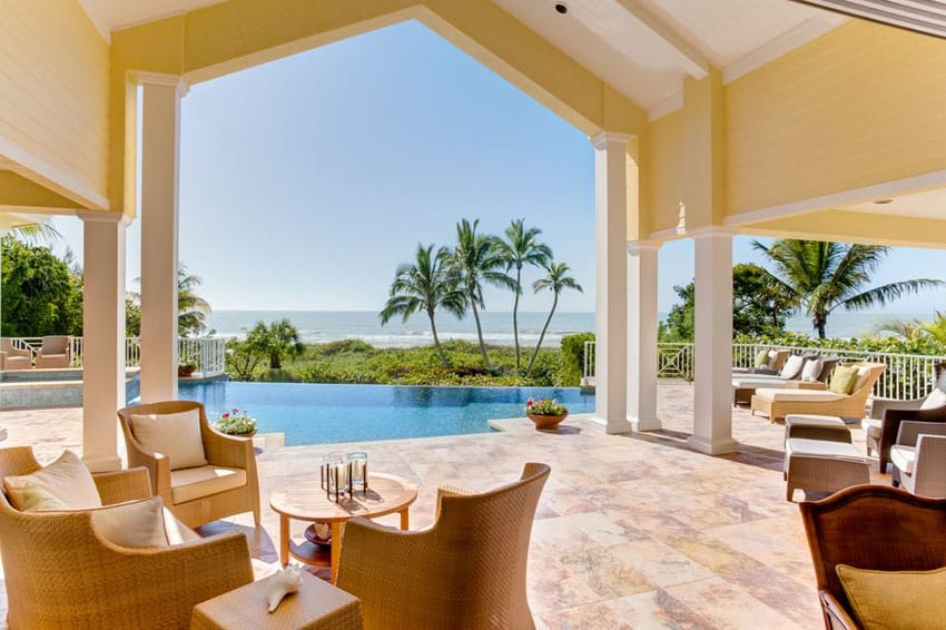 Beautiful covered ocean front patio with infinity pool
