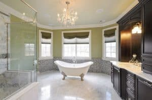 27 Beautiful Bathrooms With Clawfoot Tubs (Pictures)