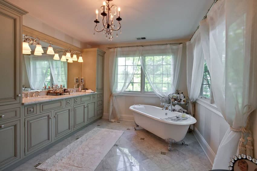 27 Beautiful Bathrooms With Clawfoot Tubs Pictures