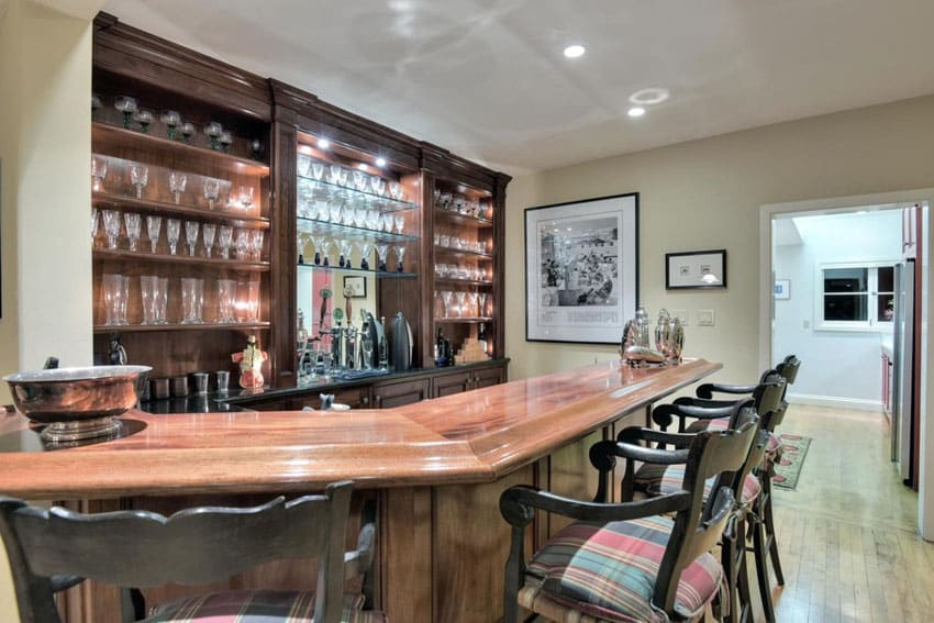Traditional wood counter home bar