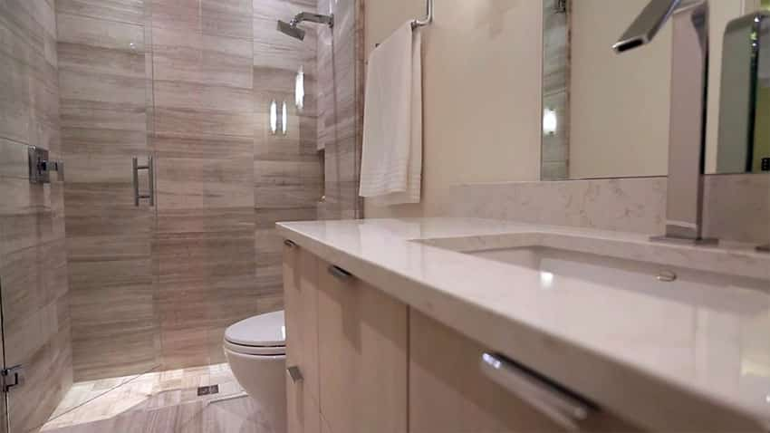 Luxury guest bathroom with shower