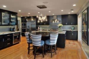 35 Luxury Kitchens with Dark Cabinets (Design Ideas)