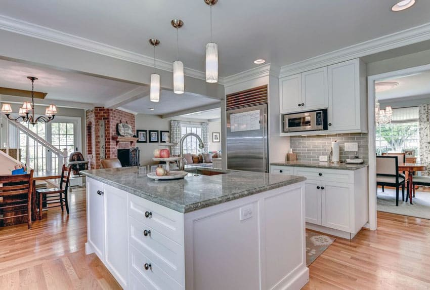 Gray Kitchen Cabinet Backsplashes