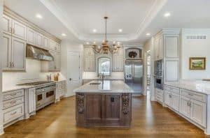 Antique White Kitchen Cabinets (Design Photos)